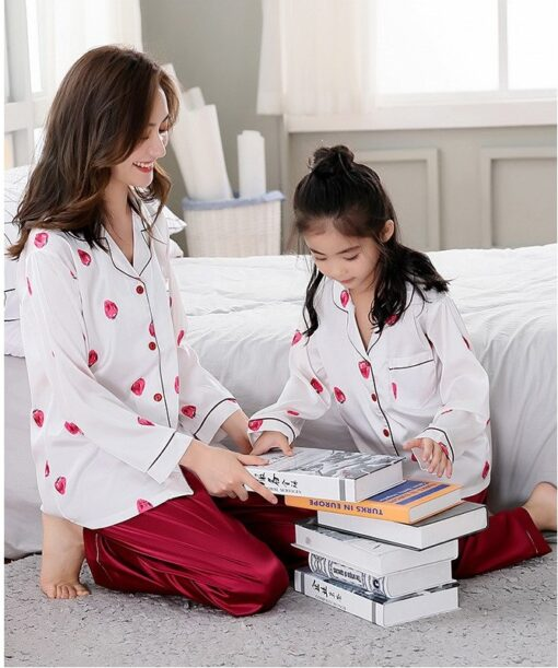 Beautiful Solid Color Mother and Daughter Matching Pajamas 3