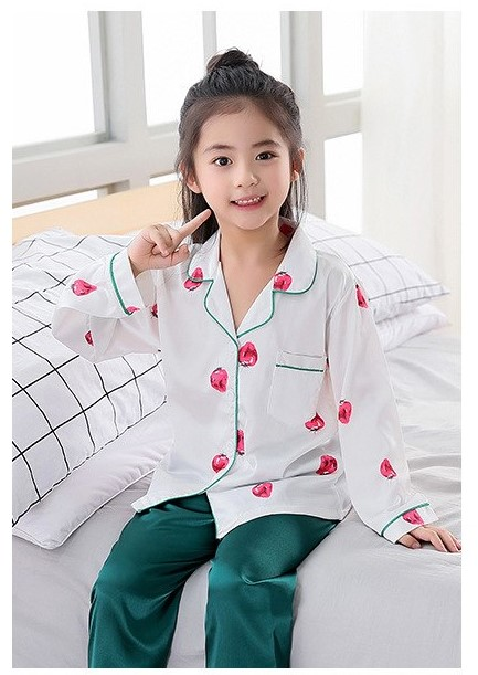 Classy Prints Mother and Daughter Twinning Pajamas 2