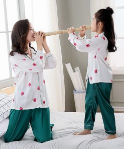 Classy Prints Mother and Daughter Twinning Pajamas 4