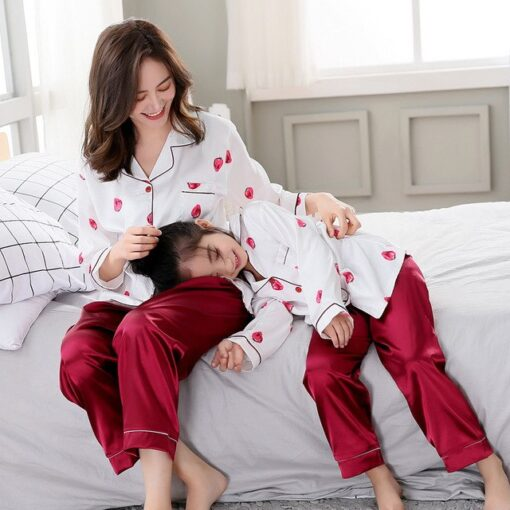 Beautiful Solid Color Mother and Daughter Matching Pajamas 1