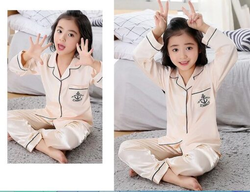 Cute Printed Pajamas For Mother and Daughter 3