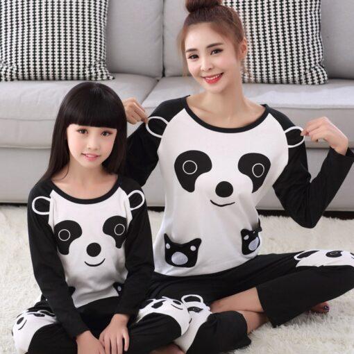 mom and daughter matching pajamas