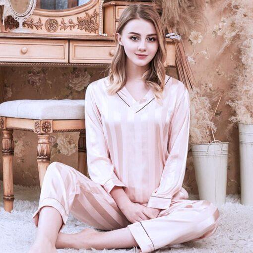 Long sleeve couple sleepwear for Girlfriend and Boyfriend 5